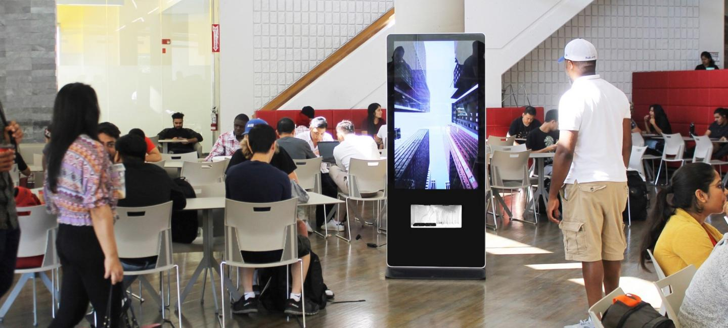 DOOH in Campuses: Specs, Audiences and Inspiration